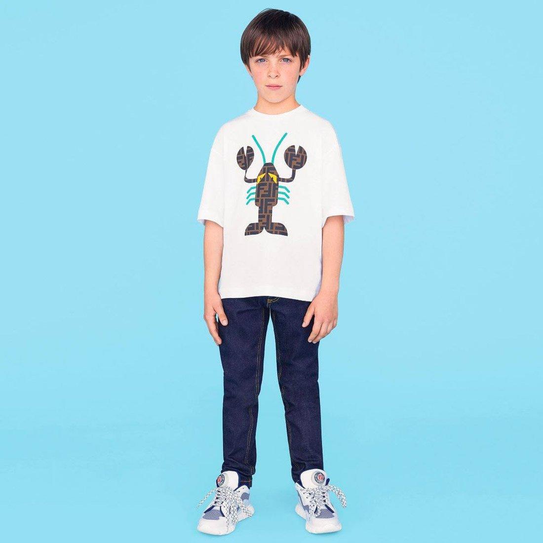 Яркие футболки для мальчиков